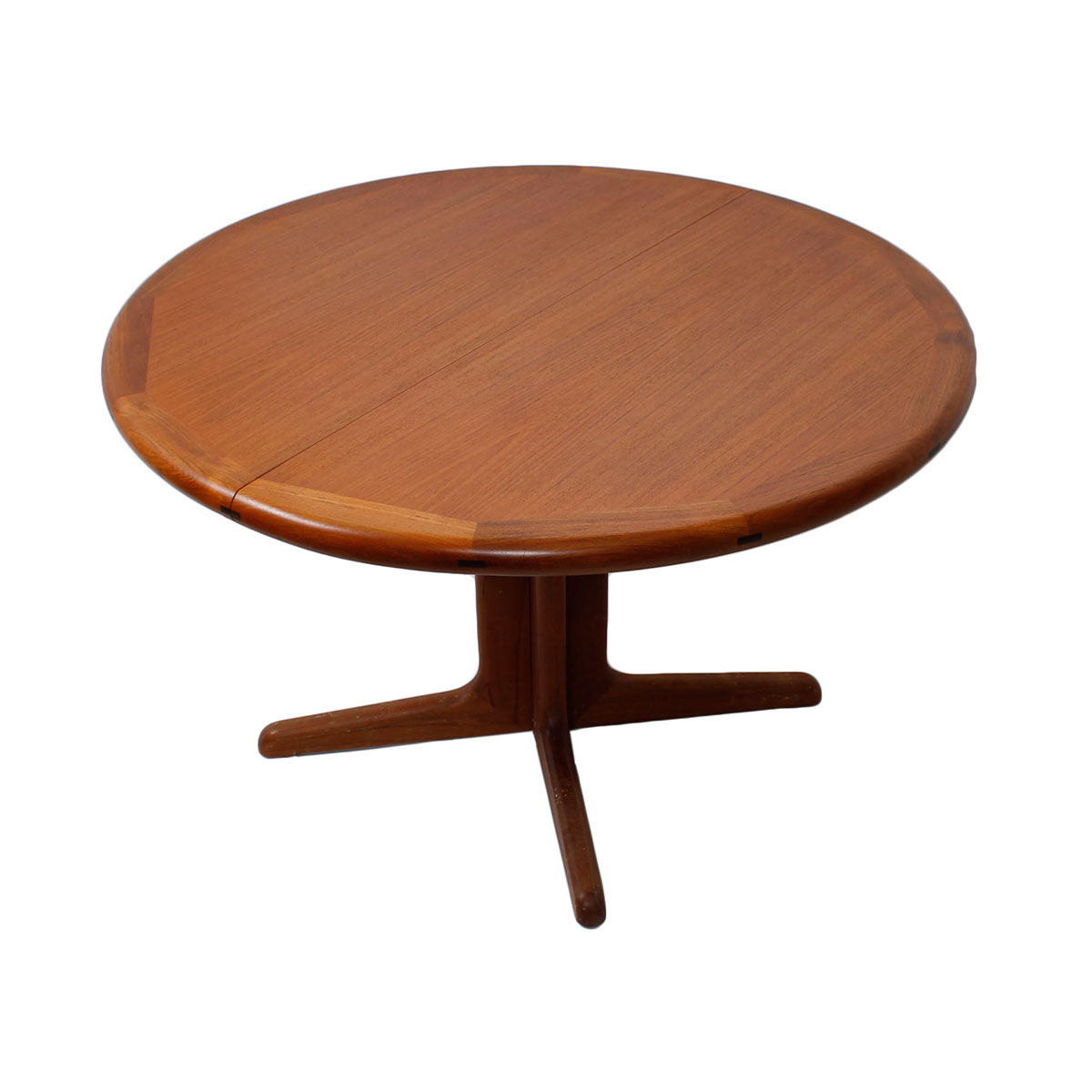 Modern mobler for Modern round dining table