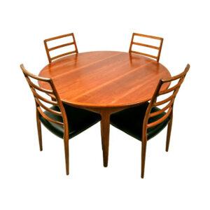 Soro Stole Expanding Danish Teak Dining Table