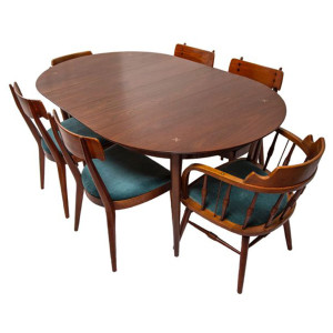 Superb MCM Walnut Expanding Dining Table By American Of Martinsville