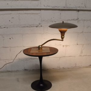 Expanding Arm Desk Lamp