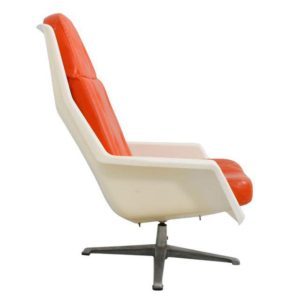 Mod White Molded Plastic Chair with Orange Cushions by Overman of Sweden