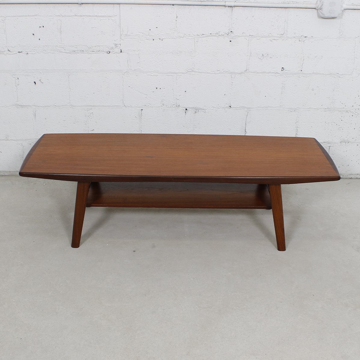 modern mobler Curved Coffee Table