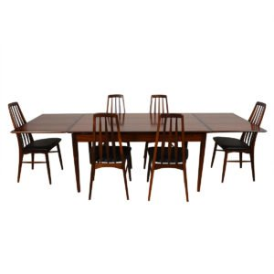Mid-Sized Danish Modern Rosewood Expanding Dining Table