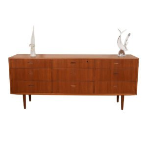 Danish Modern Teak 9 Drawer Dresser / Sideboard.